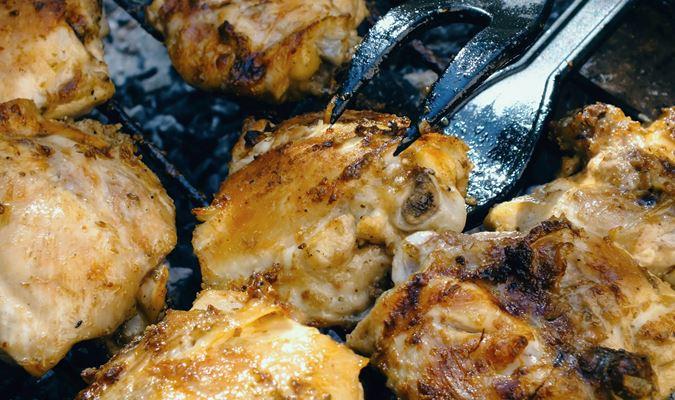 Vixen's Kickin' Mango Jalapeno Grilled Chicken