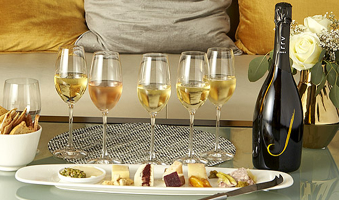 Discover the Magic of Wine & Food Pairings