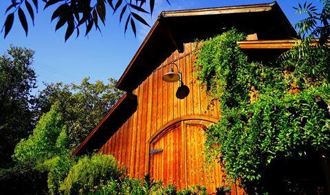 De La Montanya Winery