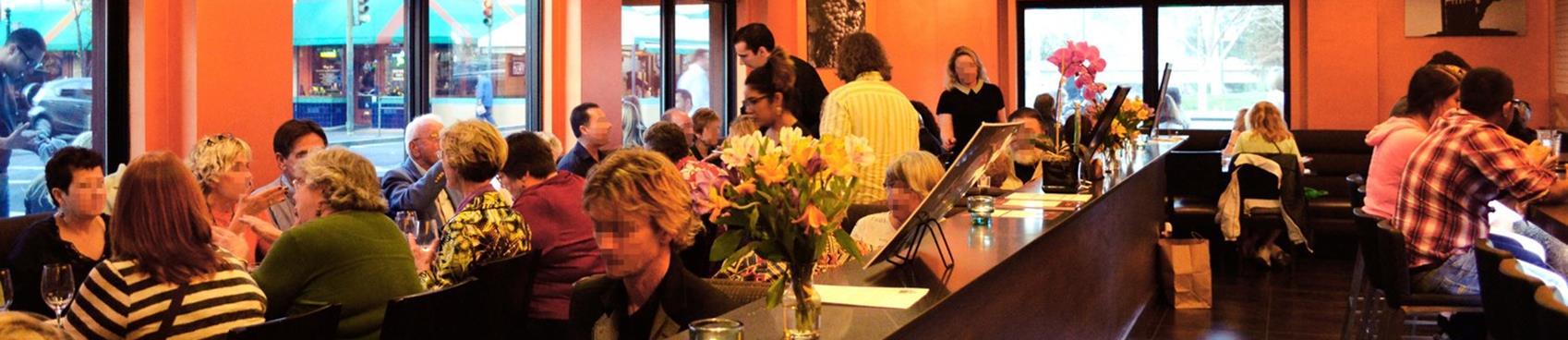 Napkins Bar & Grill